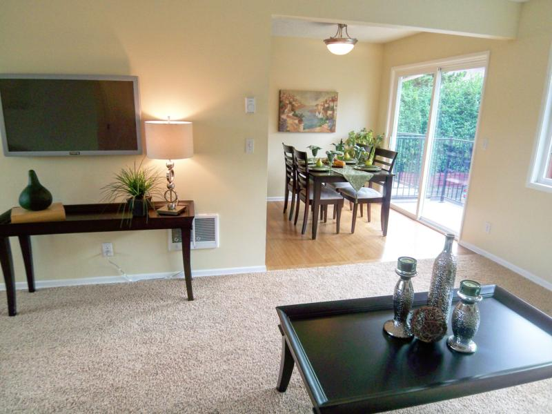 portland oregon home staging by Room Solutions Staging