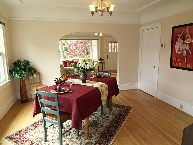 Home staging tips for sellers in portland oregon stage for Dining room tables portland or
