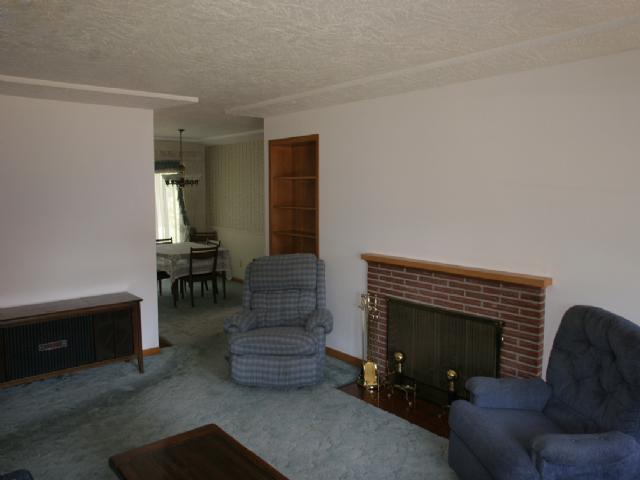 Before home staging by Room Solutions Staging