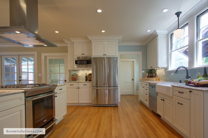 Kitchen after remodeling and staging by Room Solutions