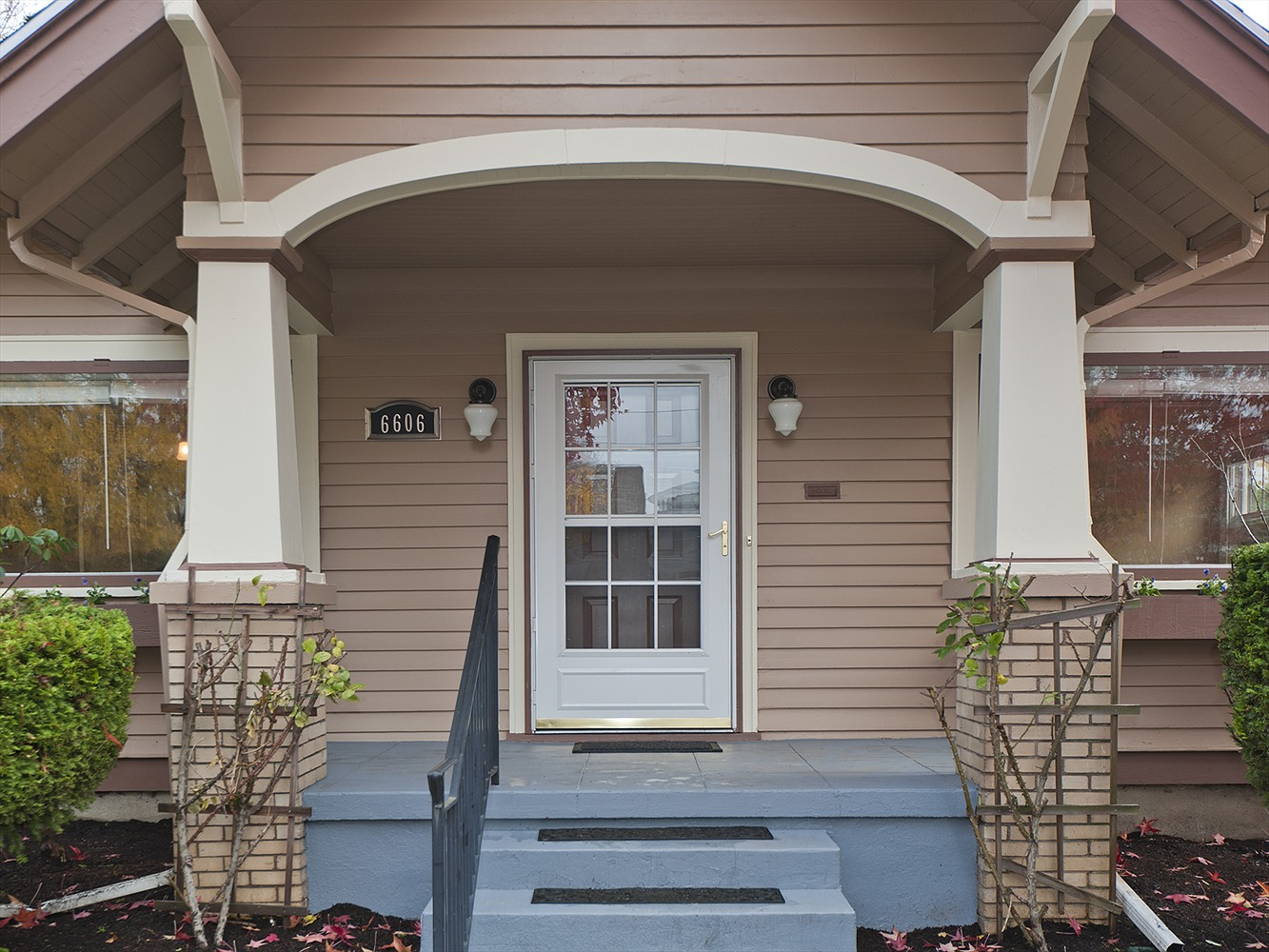 Front porch in Portland after home staging consultation